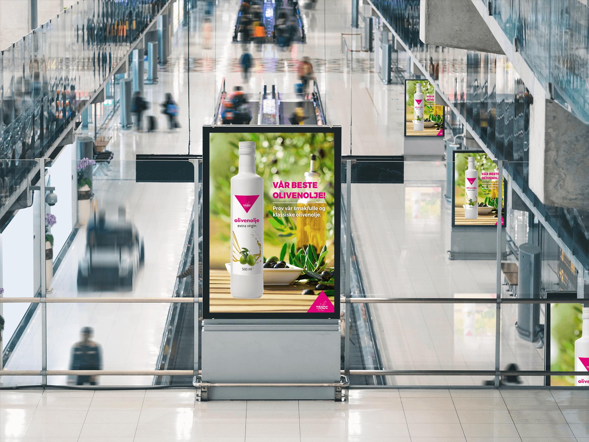 Reklameboard med på flyplass med Tradesolution olivenolje